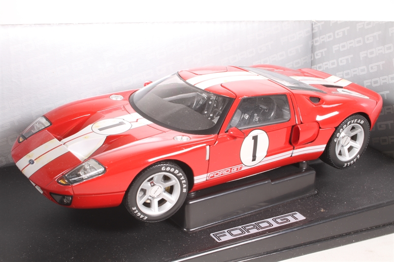 R Sd Ford Gt Concept Car In Red Pre Owned Marks On