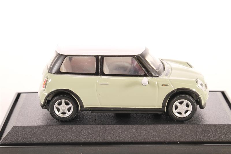 cararama 171005b new mini cooper in beige. Black Bedroom Furniture Sets. Home Design Ideas