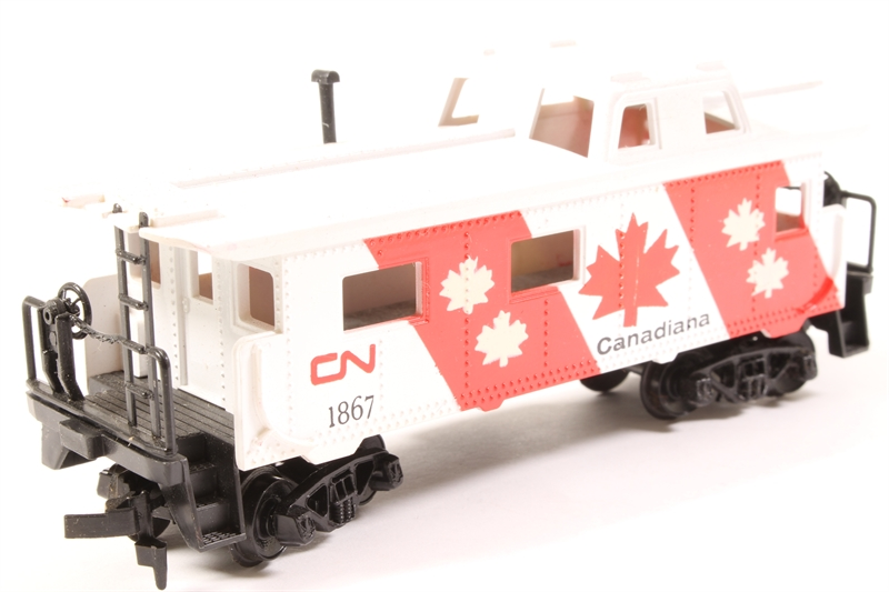 hattons co uk - Tyco 327-45 40' Caboose #1867 - 'Canadiana'