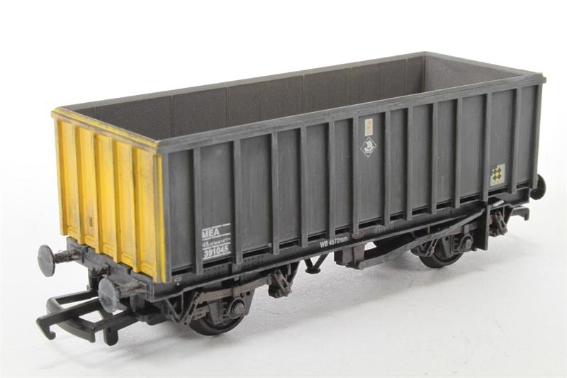 1 Ton Chipper Box Body : Hattons bachmann branchline a ln ton