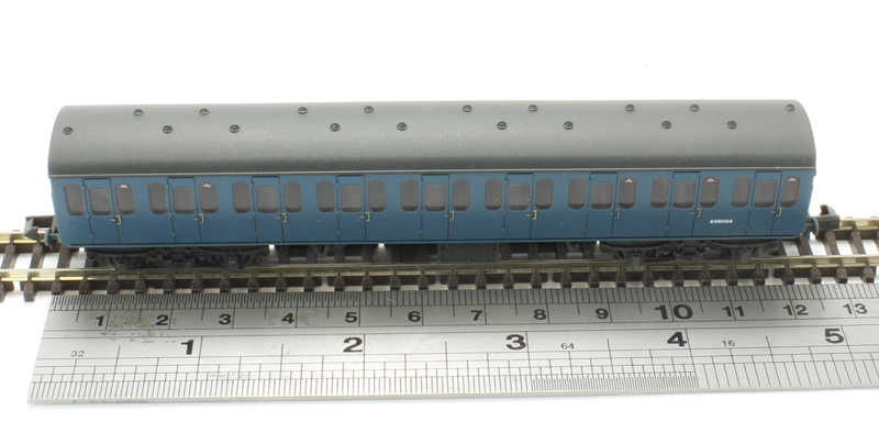 Weathered N Graham Farish 374-292 BR Mk1 57ft Suburban Second Open Coach Blue