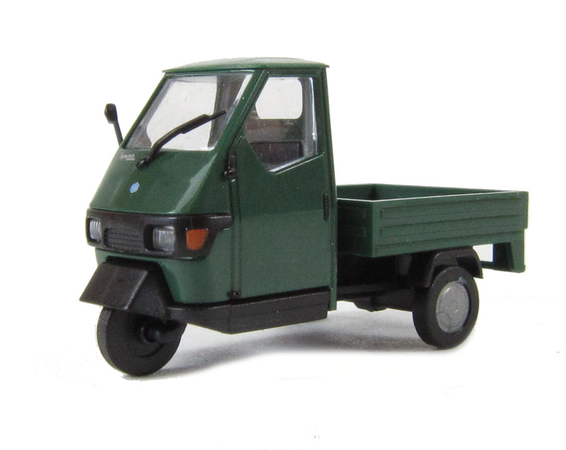 busch 48450bus piaggio ape 50 in green ho scale. Black Bedroom Furniture Sets. Home Design Ideas