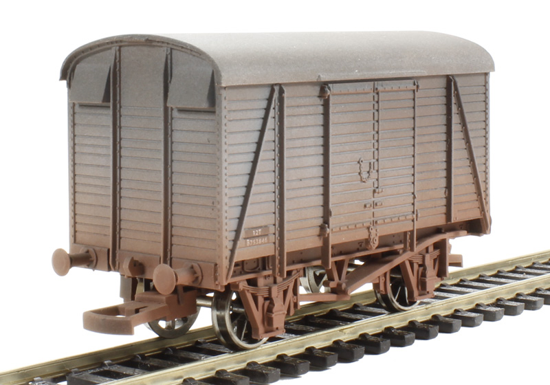 d165cfe540 hattons.co.uk - Dapol 4F-021-006 Box van 753846 BR - weathered