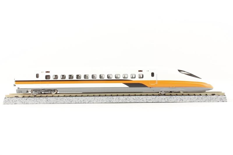 hattons co uk - Kato 515-236-LN High Speed Train Series 700