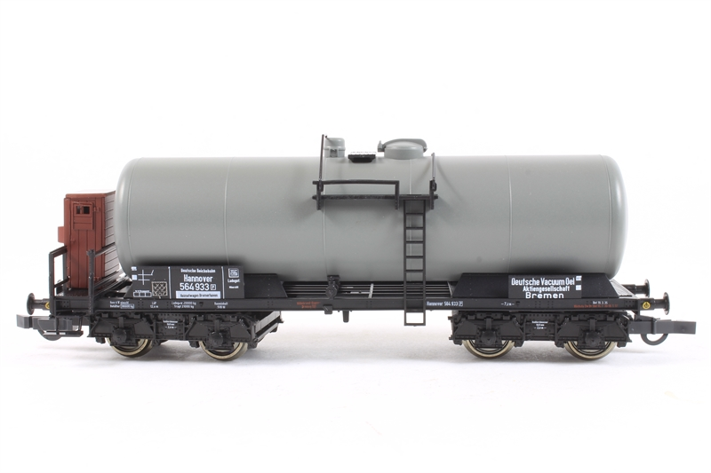 66023-LN Set of Three Tank Wagons of the German DRG Epoch II - Pre