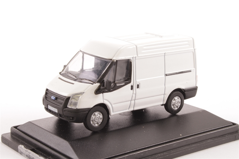 oxford diecast 76ft001 u ford transit van with medium height roof in plain white. Black Bedroom Furniture Sets. Home Design Ideas