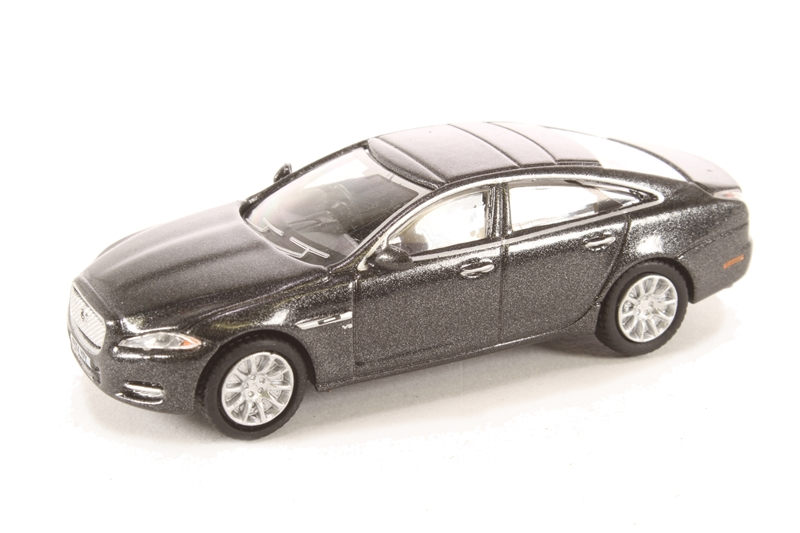 76XJ005 Jaguar XJ Ultimate Black £4.50