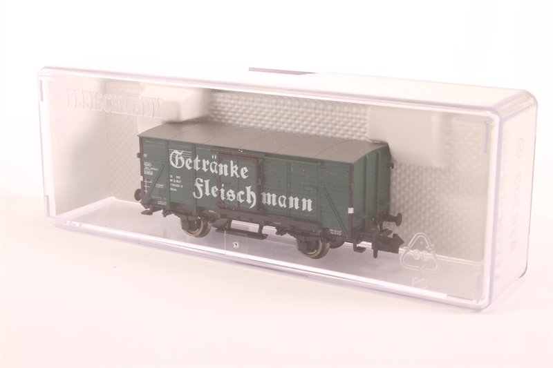 hattons.co.uk - Fleischmann 836303 Covered Goods Wagon ...