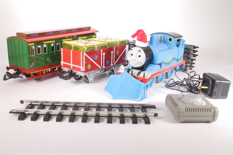 Thomas Christmas Train Set.Hattons Co Uk Bachmann Thomas The Tank 90087 Ln Thomas
