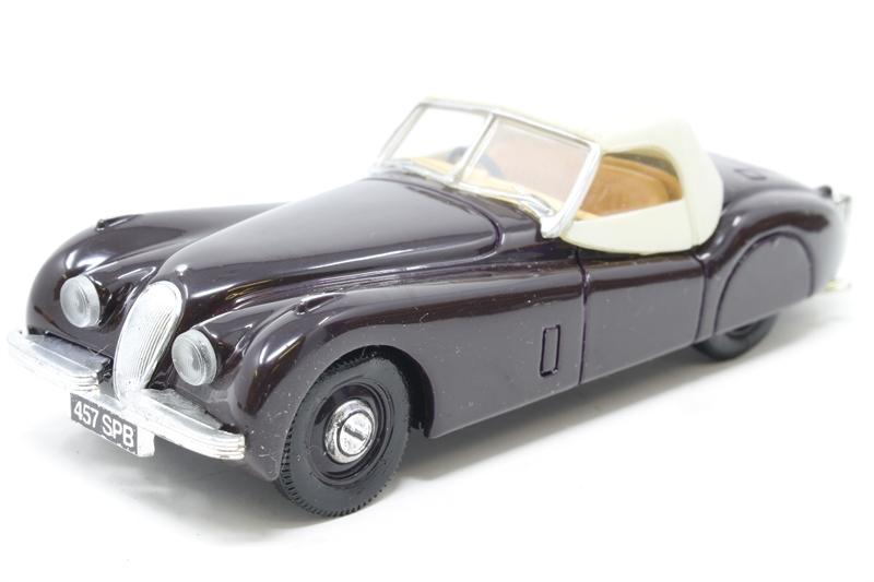 Hattons Co Uk Corgi Collectables 96044 Po Jaguar Xk120 Soft Top