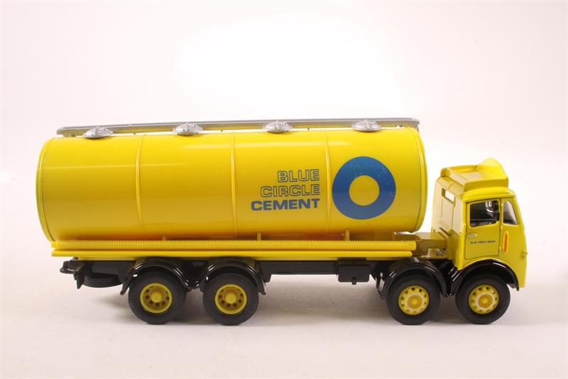 CORGI CLASSICS  # 97930 BLUE CIRCLE CEMENT ERF TANKER