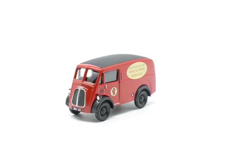 CLASSIX POCKETBOND EM76646 00 SCALE Morris J Van NORTH WESTERN GAS BOARD