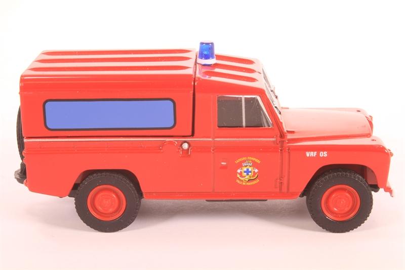 corgi collectables ex07402 ln land rover pompiers de marseille pre owned. Black Bedroom Furniture Sets. Home Design Ideas