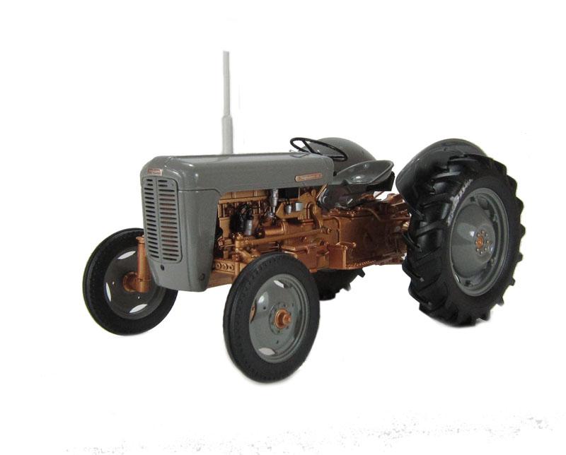1956 Massey Ferguson 40 Tractor : Hattons universal hobbies j ferguson fe