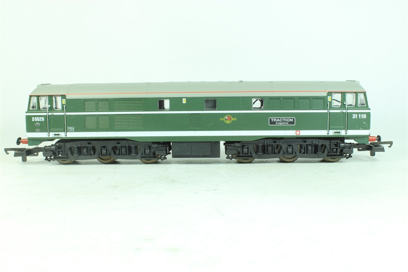 lima l205282 class 31 31110 traction in br green livery 81a shed plates small. Black Bedroom Furniture Sets. Home Design Ideas
