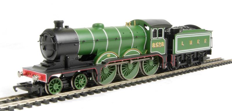 ehattons.com - Hornby R1122Loco B12 Class 4-6-0 8528 in LNER Lined ...: www.ehattons.com/31660/Hornby_R1122Loco_LNER_4_6_0_B12_Class...