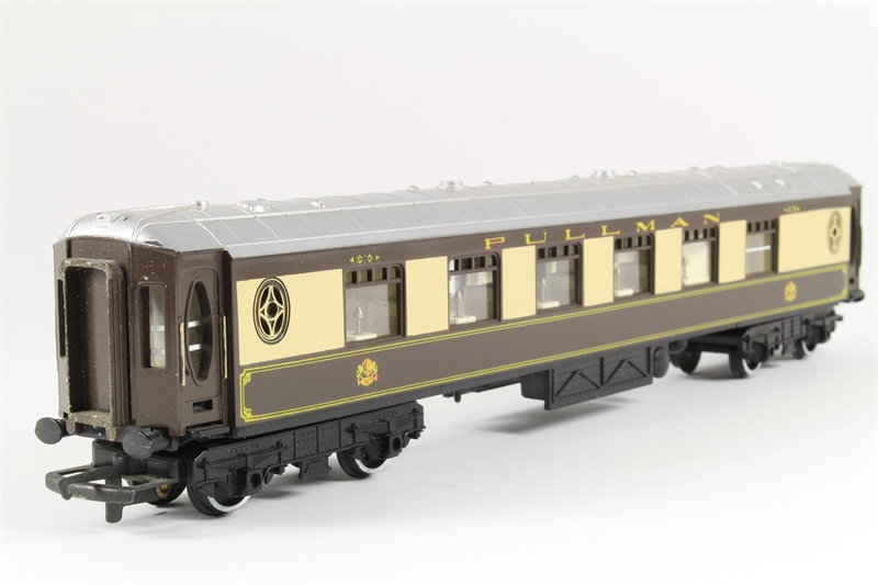 Hornby r223 ln 09 pullman parlour car for Cannon motor company preowned