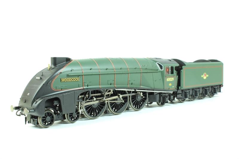 ehattons.com - Hornby R2535-LN Class A4 4-6-2 60029