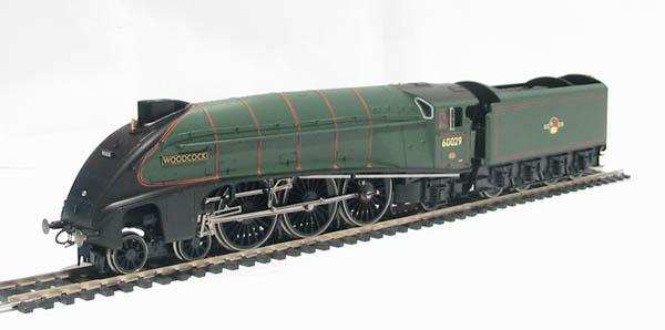 ehattons.com - Hornby R2535 Class A4 4-6-2 60029