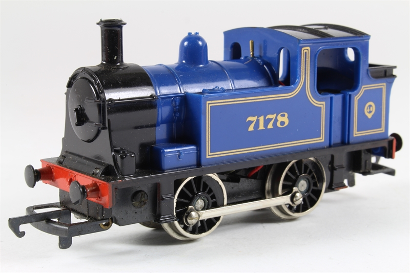 Hornby R255-LN-01 0-4-0 Industrial Tank 7178 - Pre-owned - Like new