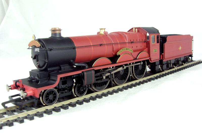 Hattons Co Uk Hornby R2662 Castle Class 4 6 0 Hogwarts