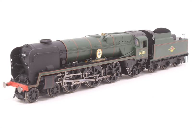 "Hornby R2709-PO03 Rebuilt Battle of Britain Class 4-6-2 34058 ""Sir  Frederick Pile"" in BR Green with late crest - Pre-owned - Imperfect box"