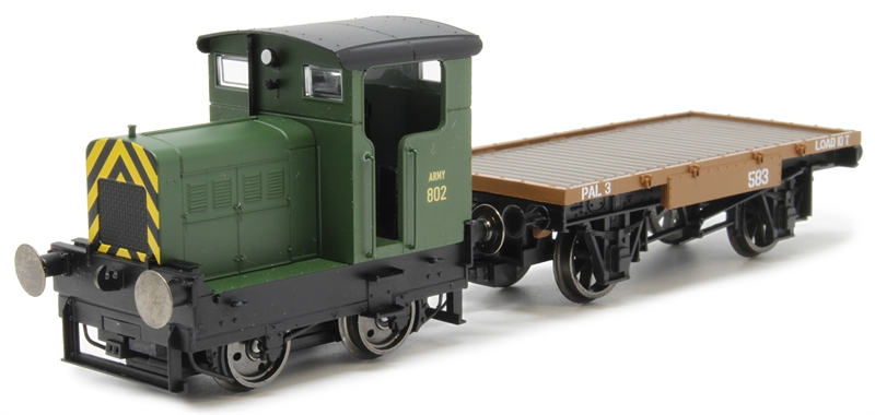 R3706 Ruston 48DS Army 802 in War Department green with match wagon