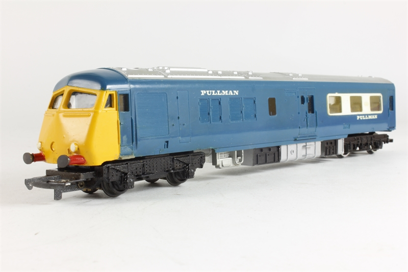 Hornby r555 ln diesel pullman motor car for Cannon motor company preowned