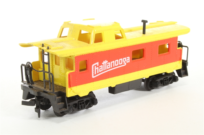 hattons co uk - Tyco TY327-15 35' Chattanooga caboose No  607