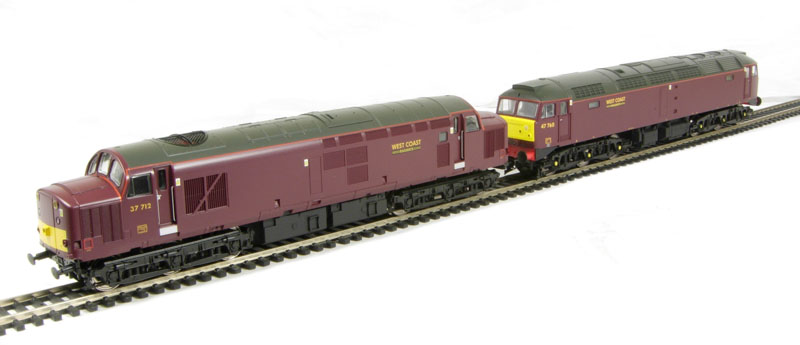 hattons co uk - Vi Trains V2088 Class 47 and Class 37 Twin