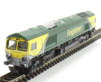 Dapol 2D-007-002D Class 66 diesel locomotive 66504  in Freightliner powerhaul green. DCC Fitted