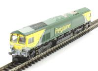 "Dapol 2D-007-002 Class 66 diesel 66504 in ""Freightliner PowerHaul"" livery"