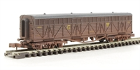 Dapol 2F-024-006 Siphon G milk wagon 1451 in GWR livery - weathered