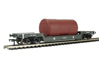Bachmann Branchline 33-879A 45 Ton bogie well wagon in LNER grey with boiler load