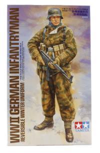 Tamiya 36304tam Heer Infantryman in reversible camo winter uniform with MP44