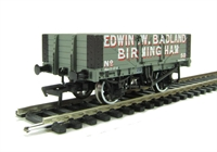 Bachmann Branchline 37-062A 5 plank wagon with wooden floor in Edwin W. Badland livery