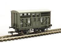 Bachmann Branchline 37-707 12 ton LMS cattle wagon in NE grey