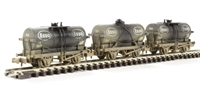 "Graham Farish 373-666 Triple pack 14 Ton tank wagons ""Esso"" - weathered"