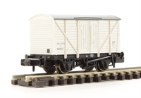 Graham Farish 373-725C 10 Ton insulated van with planked sides in BR White