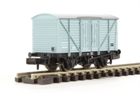 Graham Farish 373-727A 10 ton insulated van with planked sides in BR Light Blue