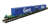 Graham Farish 377-366 Intermodal Bogie Wagons With Two 45ft Containers 'Geest'.