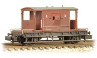 Graham Farish 377-528 20 Ton Brake Van in BR bauxite (late) - weathered
