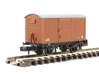 Graham Farish 377-980~ 12 Ton Eastern Ventilated Van Corrugated Ends BR Early Bauxite