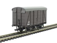 Bachmann Branchline 38-084 12 ton Southern 2+2 planked ventilated van in SR with small logo