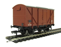 Bachmann Branchline 38-170C 12 Ton plywood ventilated van in BR Bauxite (early)