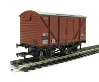 Bachmann Branchline 38-171C 12 ton plywood ventilated van in BR Bauxite (late)