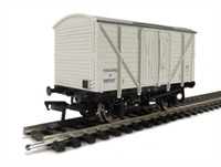 Bachmann Branchline 38-191B 10 Ton insulated van in BR white