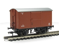 Bachmann Branchline 38-376^~ 12 Ton ventilated van with planked ends in BR bauxite (early)