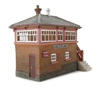 Graham Farish 42-099 Blue Anchor Signal Box (51 x 28 x 54mm)