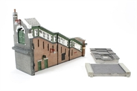 Graham Farish 42-119 Great Central High Level Station Entrance (112 x 37 x 79mm)